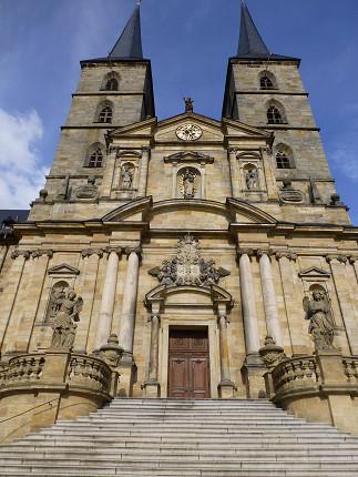 聖ミヒャエル教会、景色、バス (5).jpg